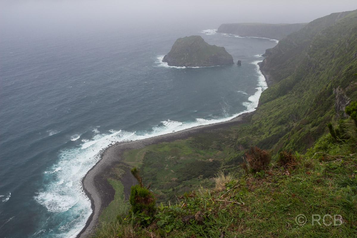 Blick zur Westküste von Flores vom PR1FLO aus