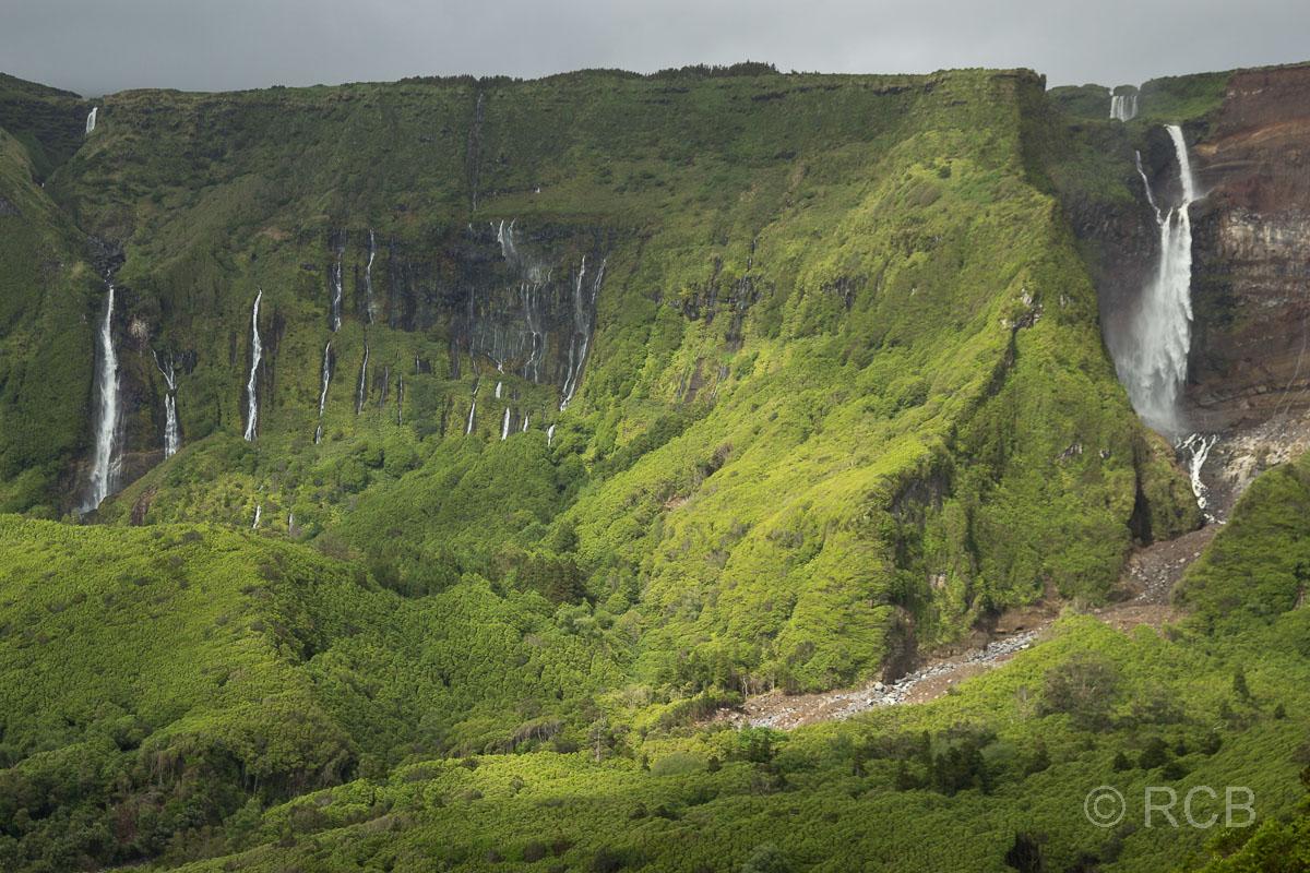 Wasserfälle oberhalb von Fajã Grande