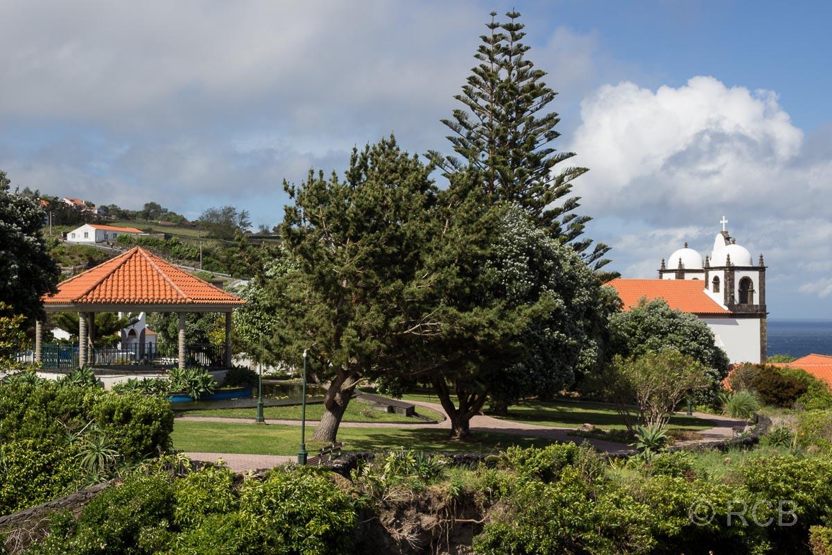Lajes das Flores, Park und Kirche