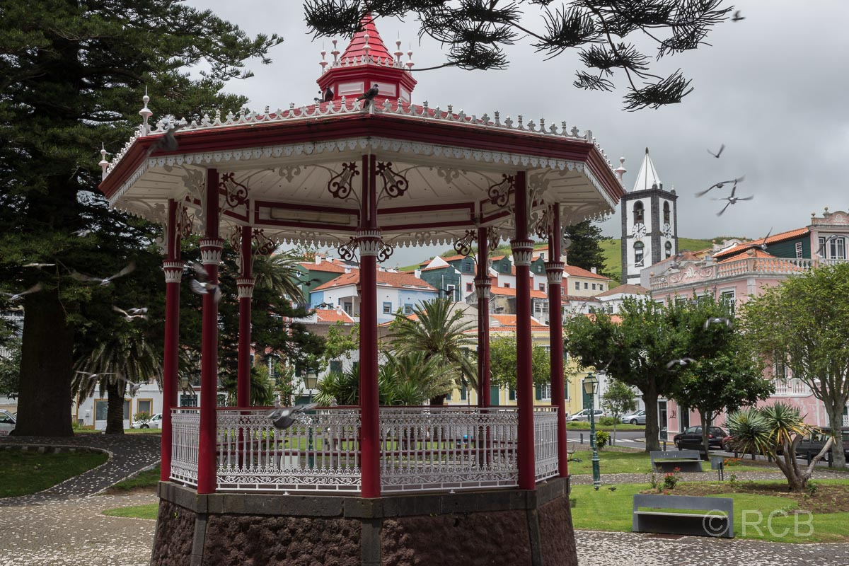 Horta, Pavillon in einem Park