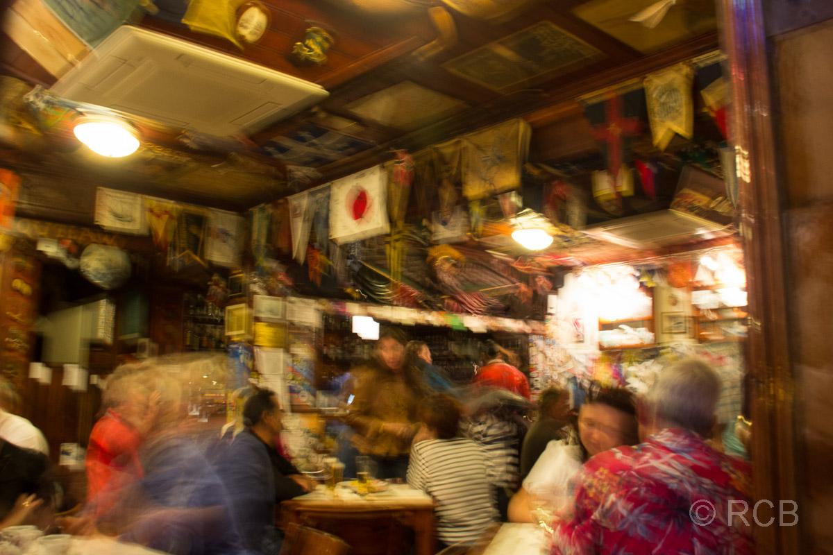Horta am Abend, im Peter Café Sport