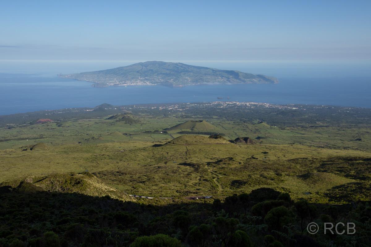 Blick zur Insel Faial beim Aufstieg auf den Pico