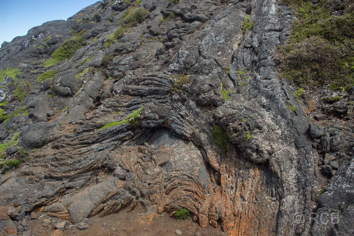 erstarrte Lava an den Hängen des Pico