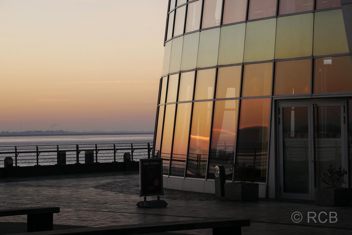 Klimahaus, Bremerhaven bei Sonnenuntergang