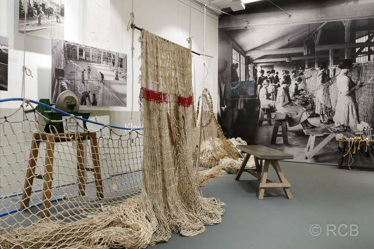 "Cuxhaven, Netze im Fischereimuseum ""Windstärke 10"""