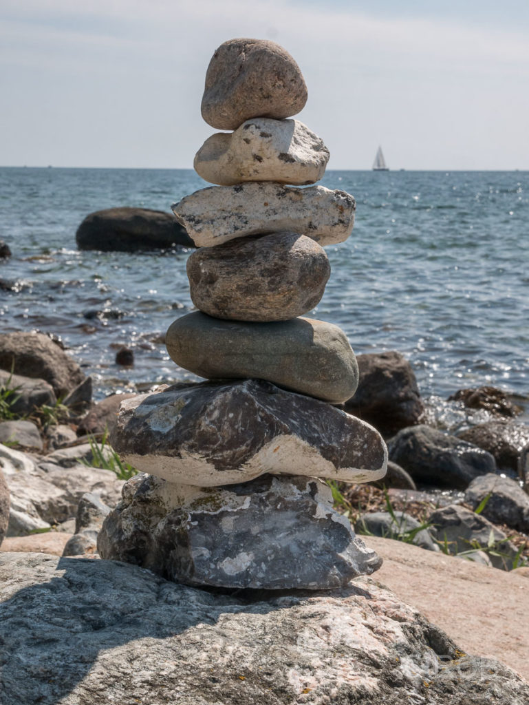Steinmännchen an der Ostküste Fehmarns