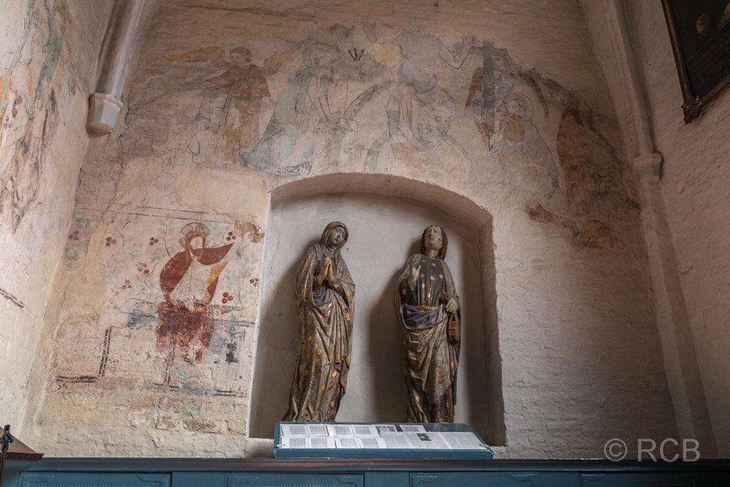 Heiligenstatuen und Fresken, St. Petri-Kirche in Landkirchen, Fehmarn