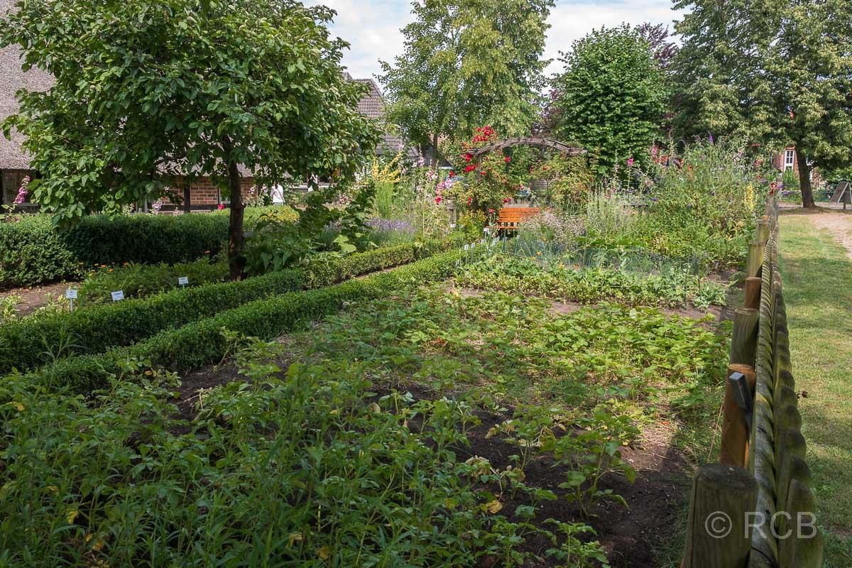 Bosau, Bauerngarten an der Dunkerschen Kate
