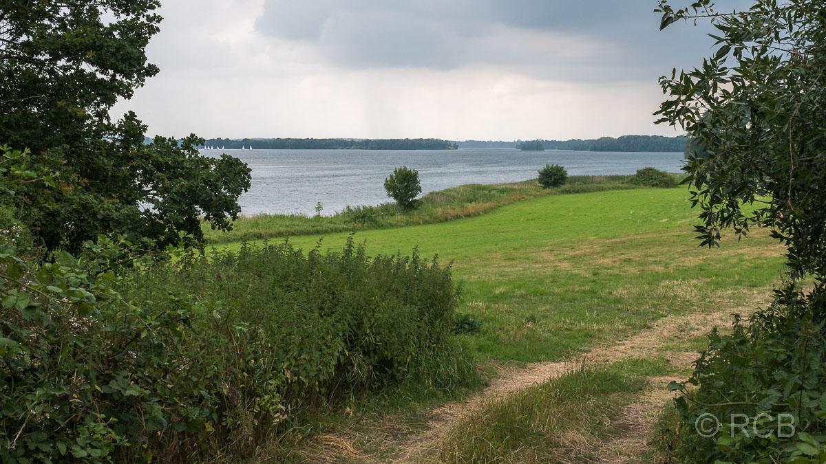 Wolken brauen sich zusammen über dem Großen Plöner See