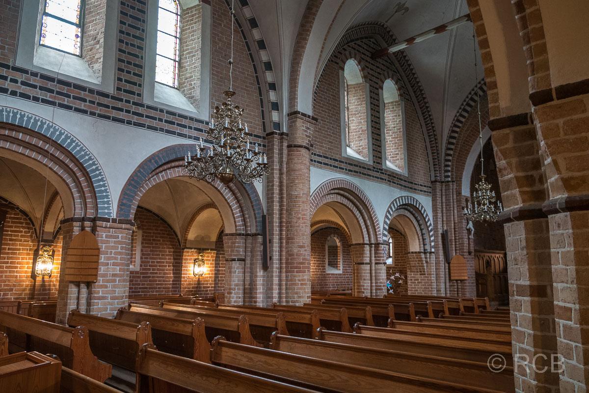 Basilika Altenkrempe, Kircheninneres