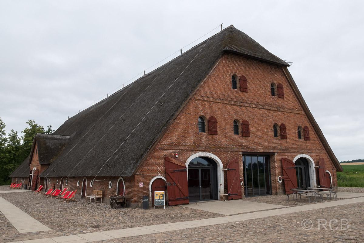 Gut Hasselburg, Kornscheune