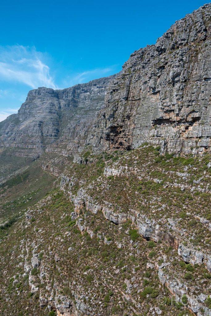 Blick aus der Seilbahn auf den Tafelberg