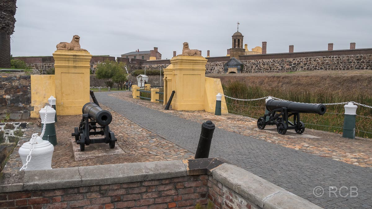 Kanonen am Eingang des Castle of Good Hope