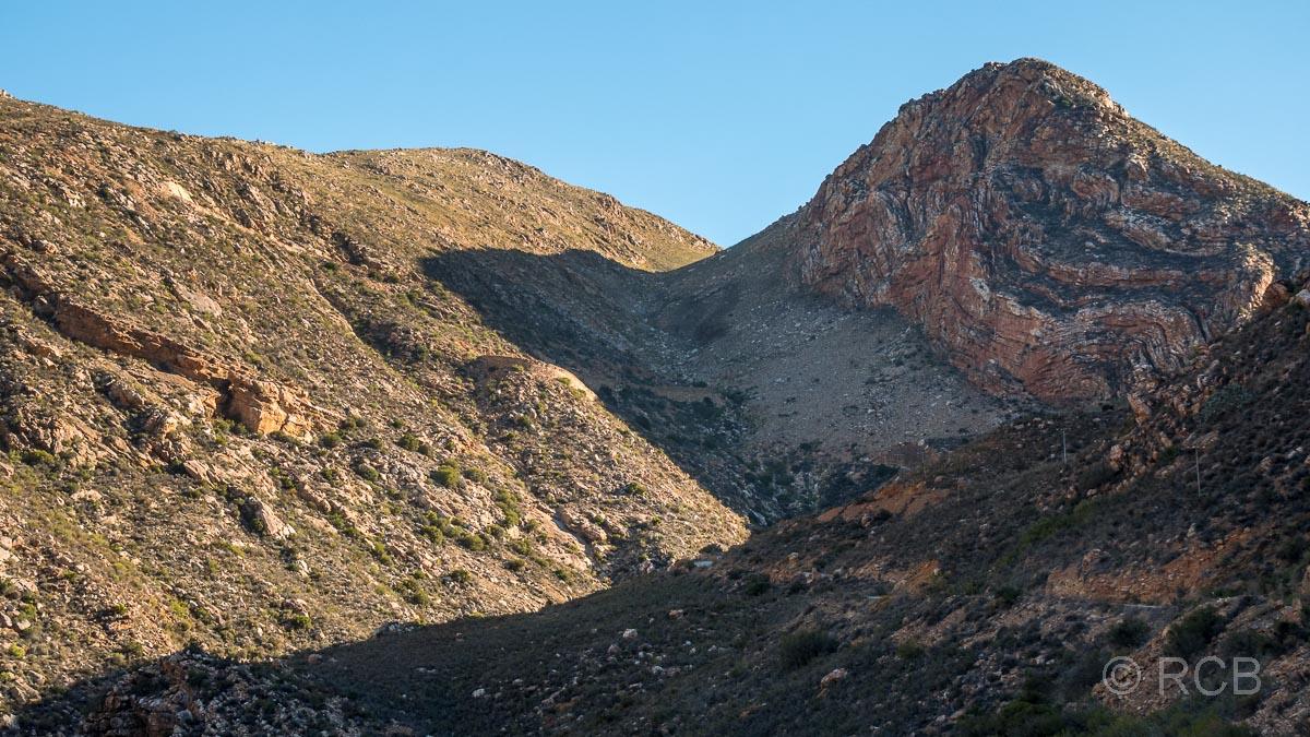 Blick zurück bei der Abfahrt vom Swartberg Pass