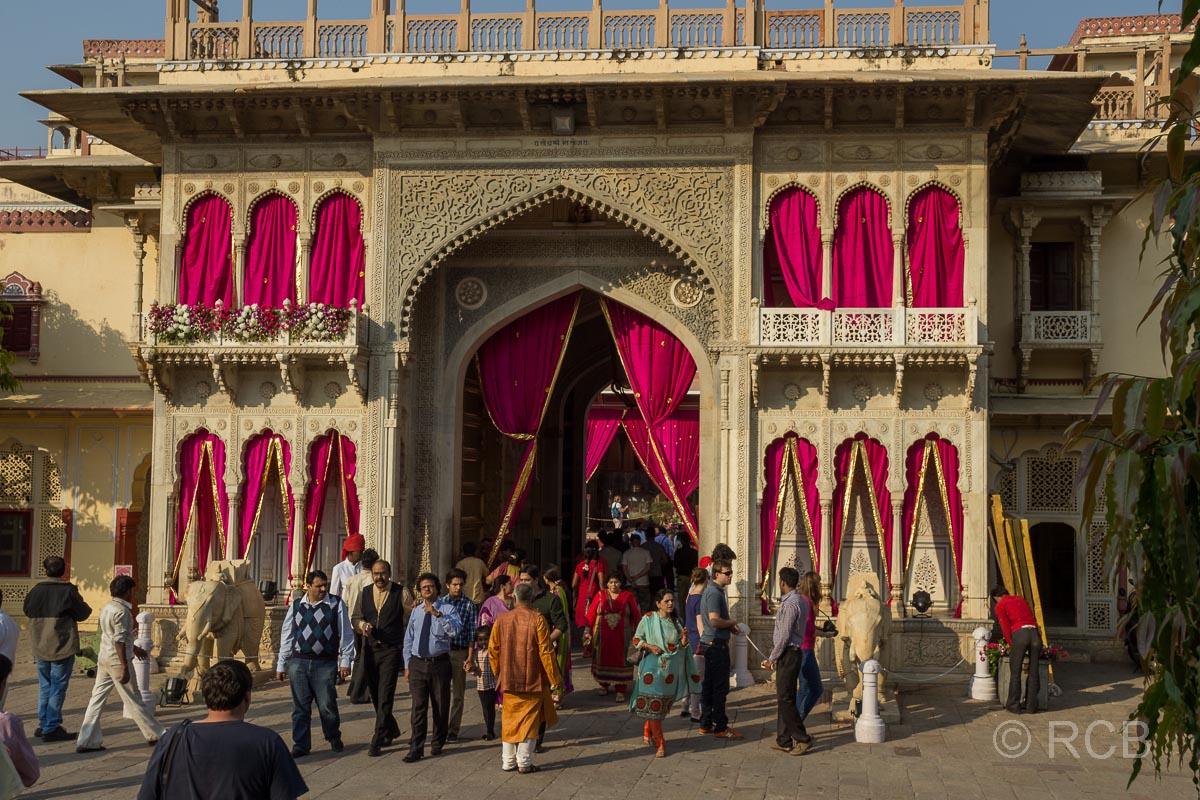 Jaipur, Stadtpalast, Torbau Rajender Pol