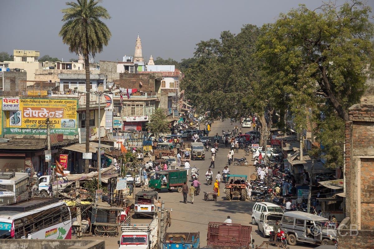 Blick in eine belebte Straße in Sawai Madhopur