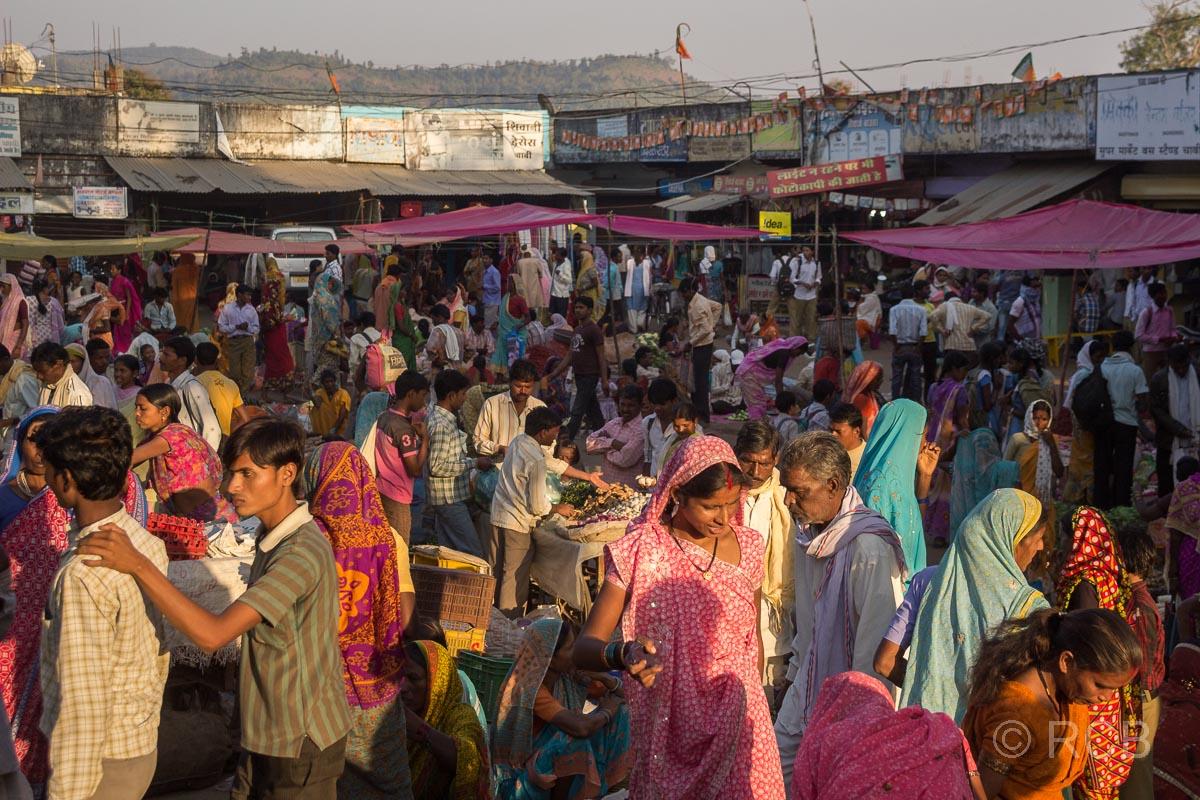 Markt in einem Dorf auf der Fahrt durch Madya Pradesh