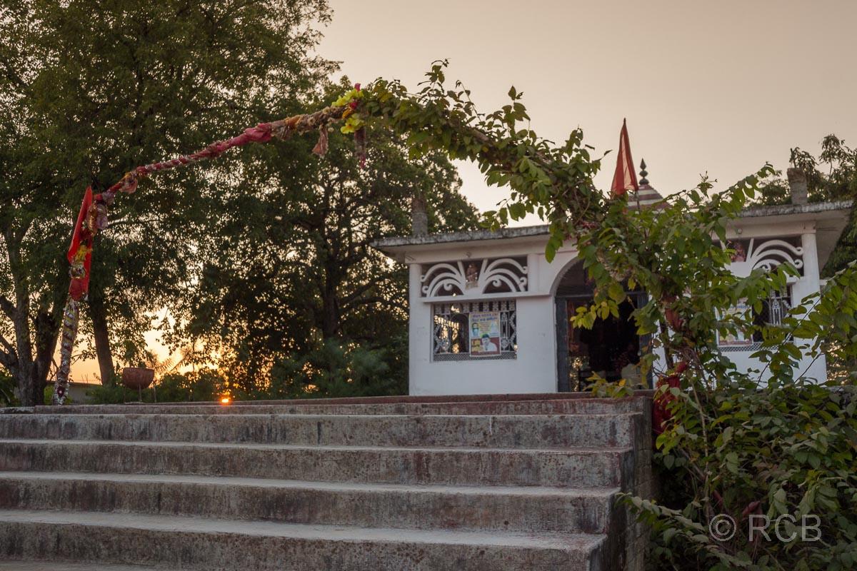 kleiner Tempel in der Nähe des Bandhavgarh National Park