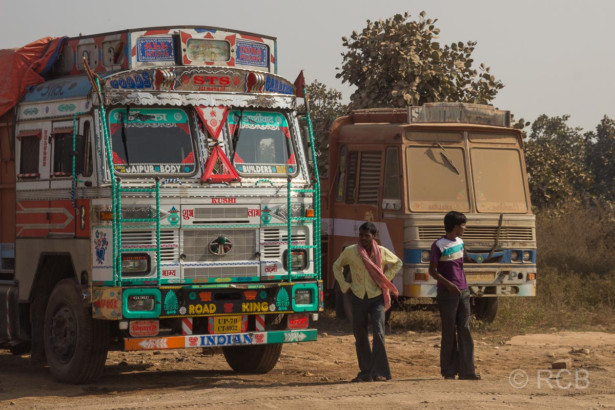 LKW-Rastplatz auf der Fahrt durch Uttar Pradesh