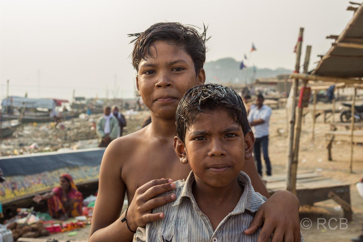 Allahabad, Jungen am Sangam, dem Zusammenfluss von Ganges und Yamuna