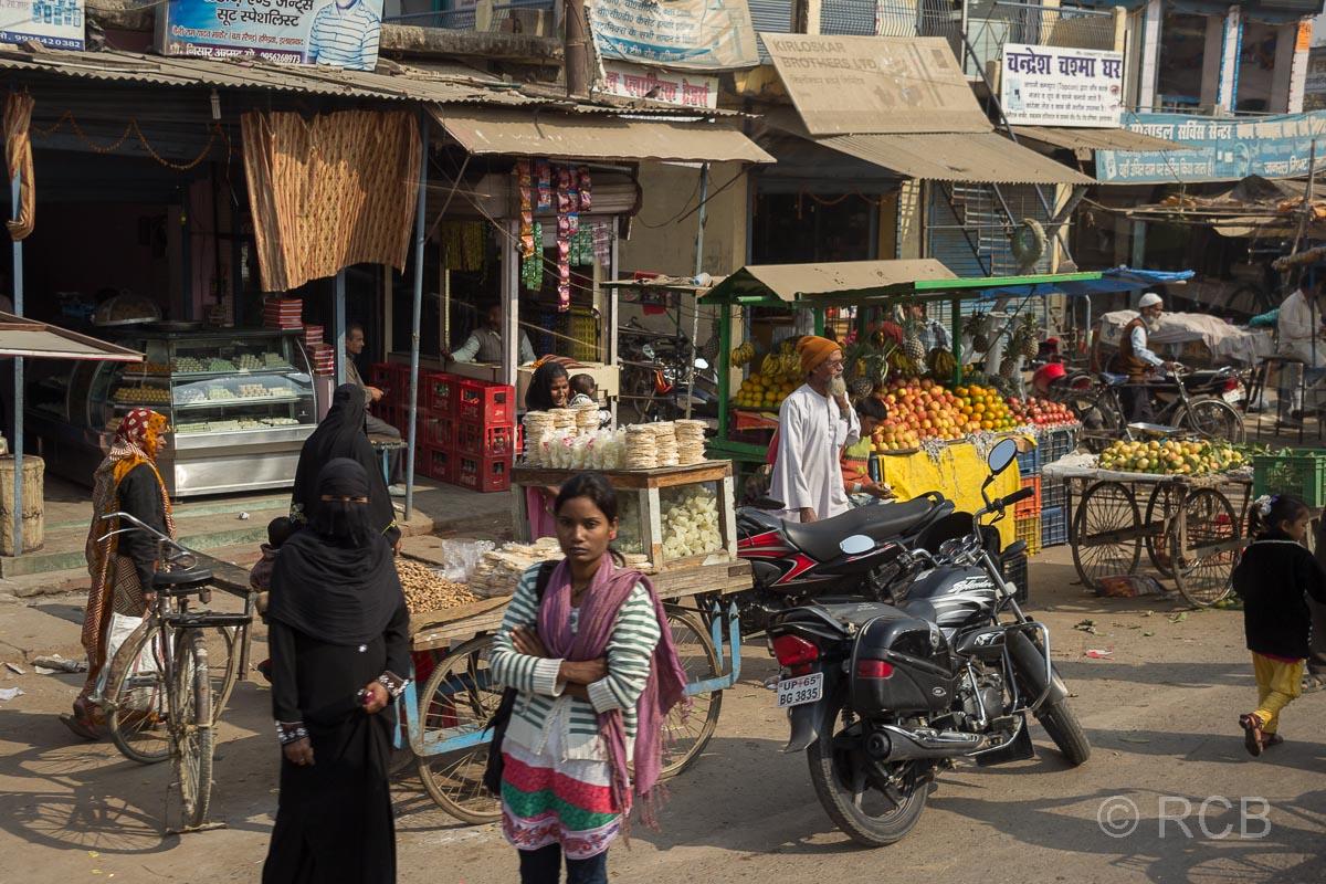 Straßenszene auf der Fahrt durch Uttar Pradesh