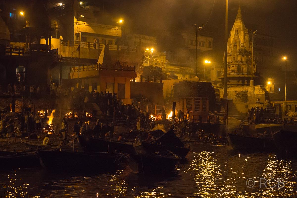 Varanasi, Verbrennungen am Manikarnika-Ghat