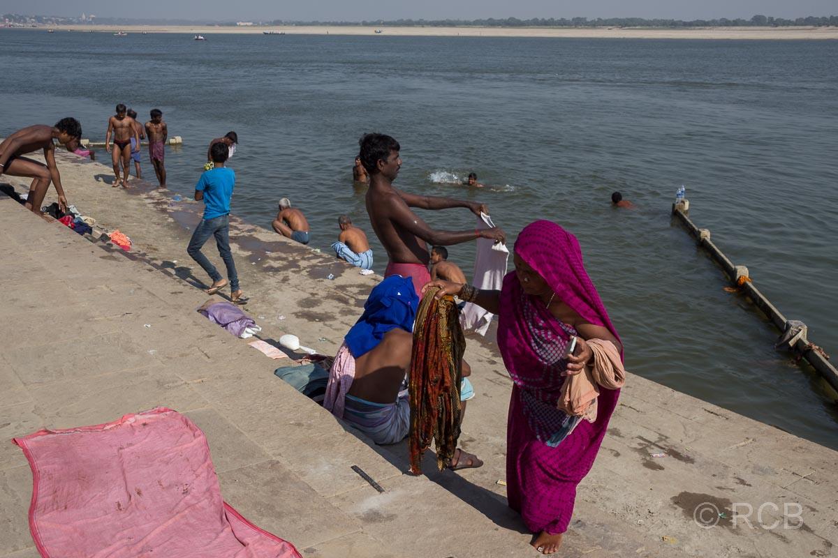 Varanasi, Badende an den Ghats