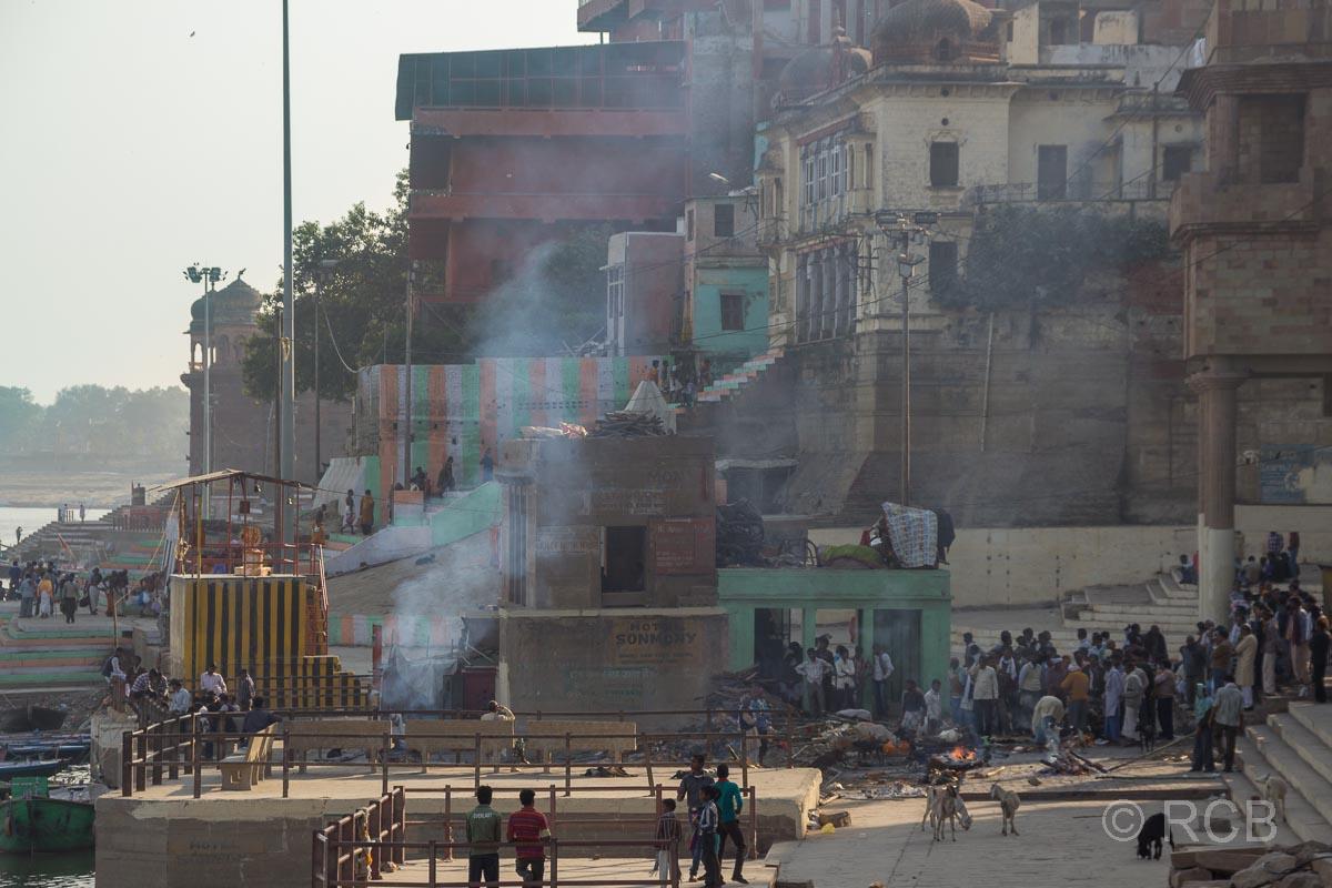 Varanasi, Leichenverbrennung am Harishchendra-Ghat