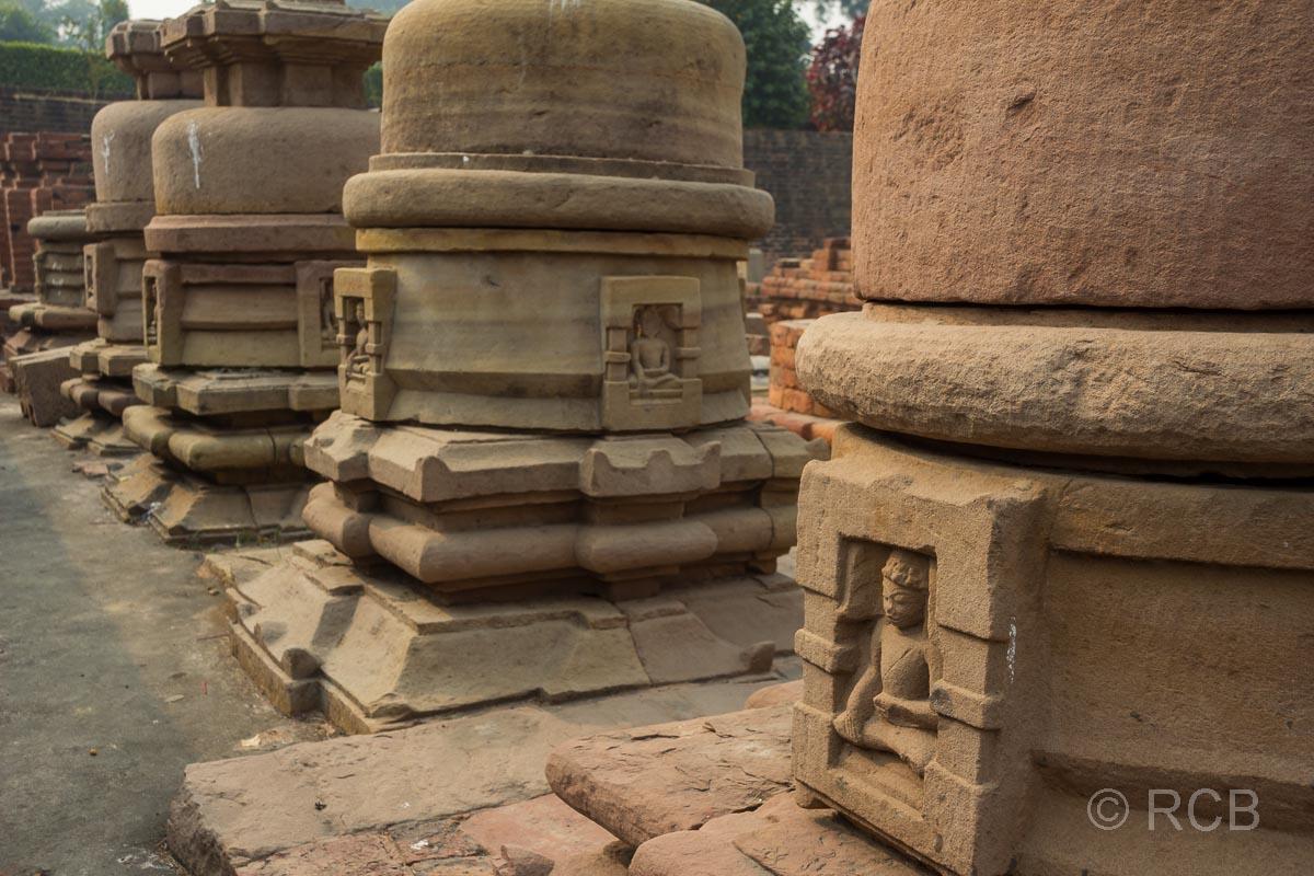 Sarnath, Stupas in den Ruinen der Tempelanlage