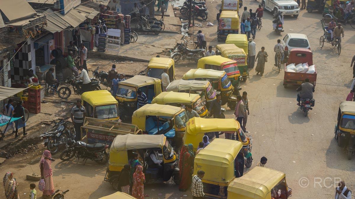 Varanasi, Ansammlung von Autorikschas