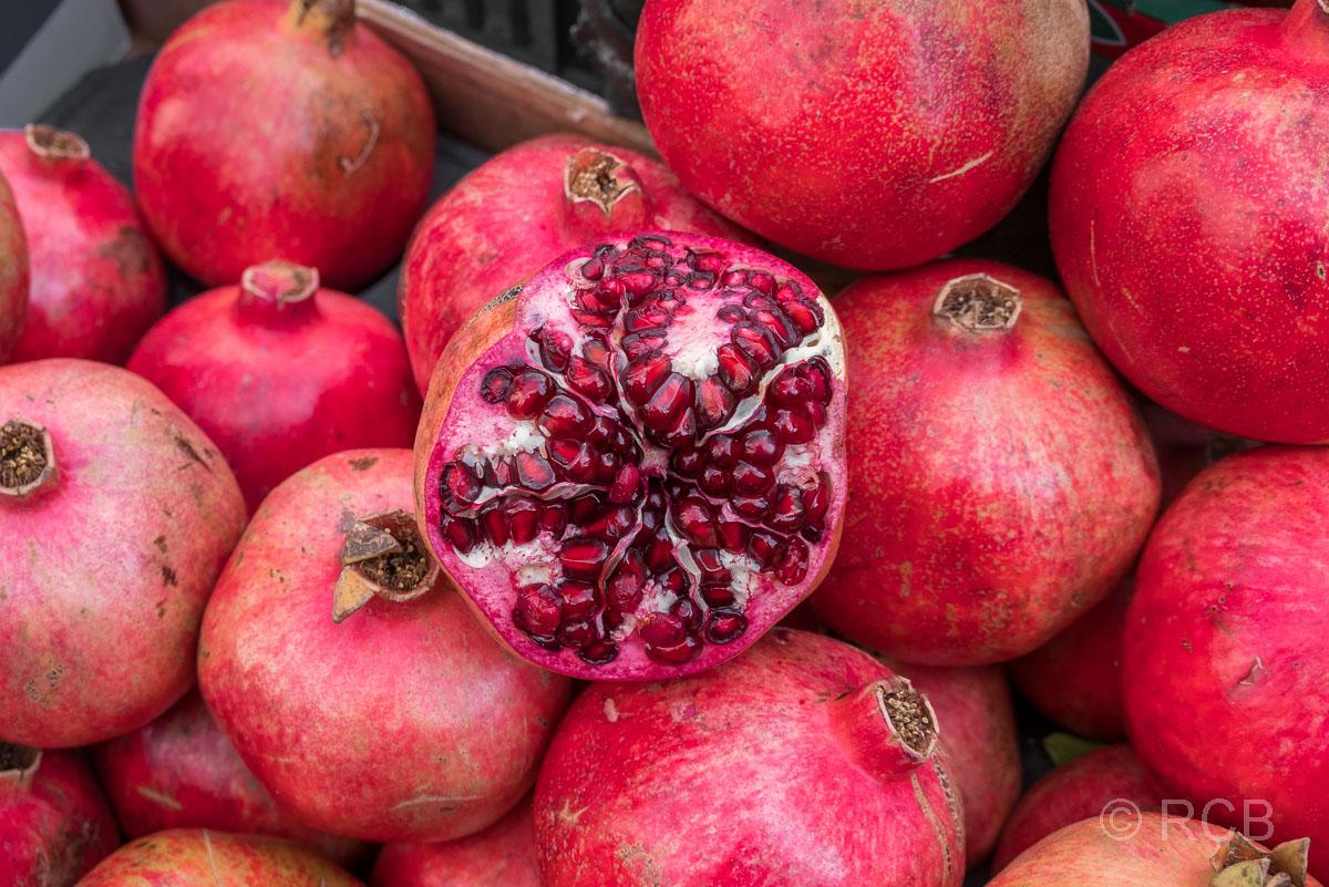 Granatäpfel, Gemüsemarkt