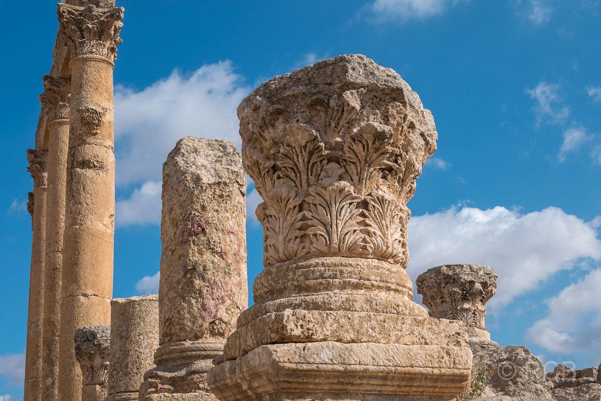 Jerash, Säulenkapitell
