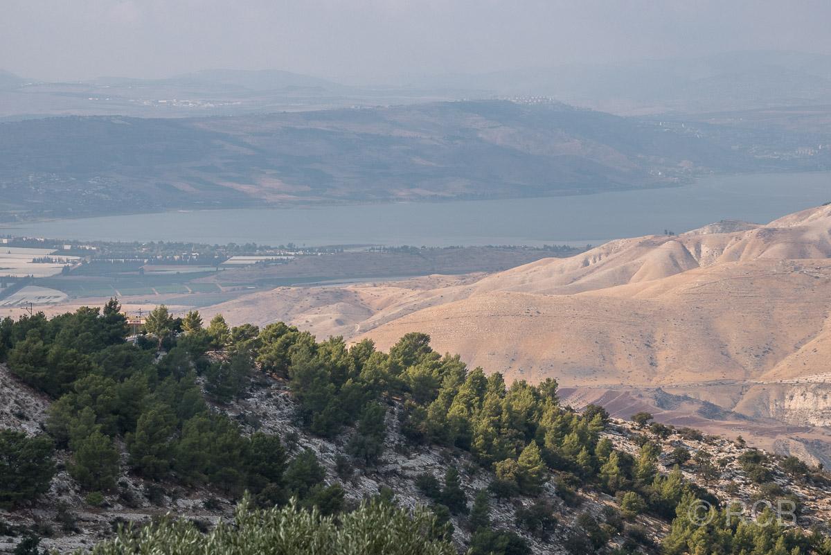 Blick aus der Ferne auf den See Genezareth