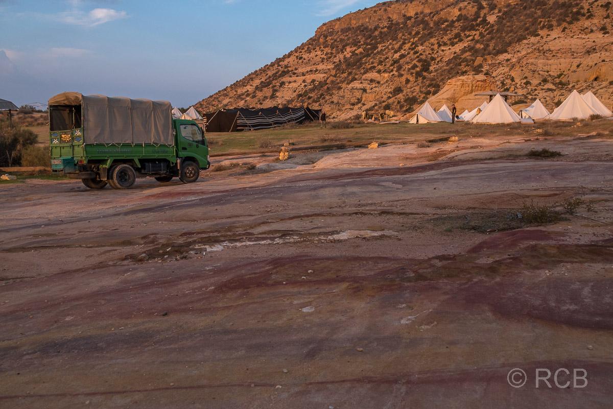"""Rummana Camp mit """"Shuttle Truck"""", Dana Naturreservat"""