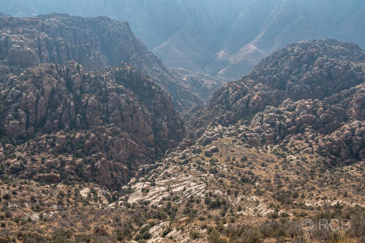 tiefer Talblick vom Rummana Mountain Trail, Dana Naturreservat