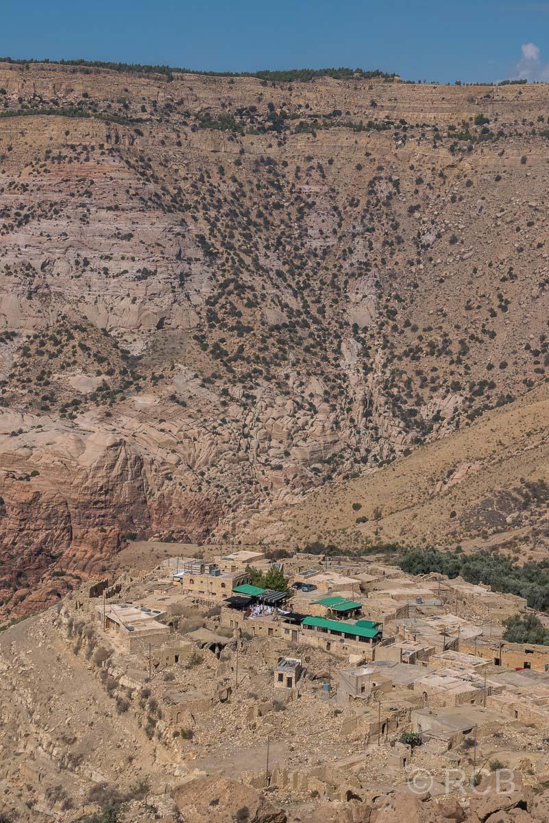 Blick zum Dorf Dana