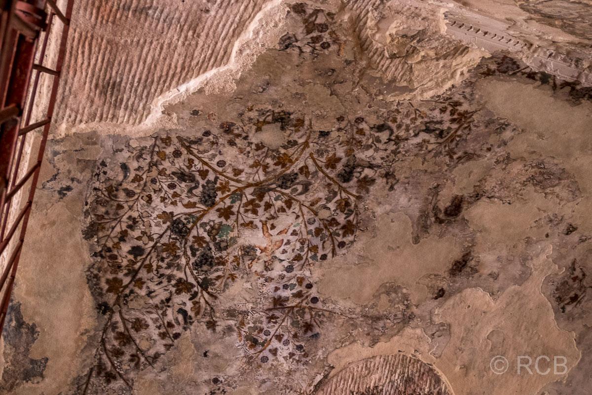 Fragmente seltener, nabatäischer Malereien, Klein-Petra