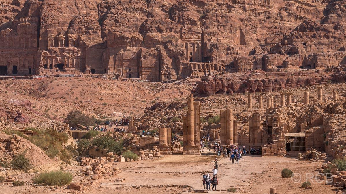 Blick über den Großen Tempel zur Königswand