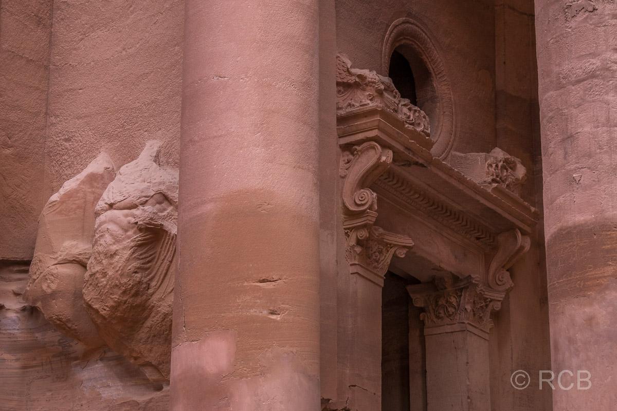 "Portal am Khazne Faraun, dem ""Schatzhaus des Pharao"""
