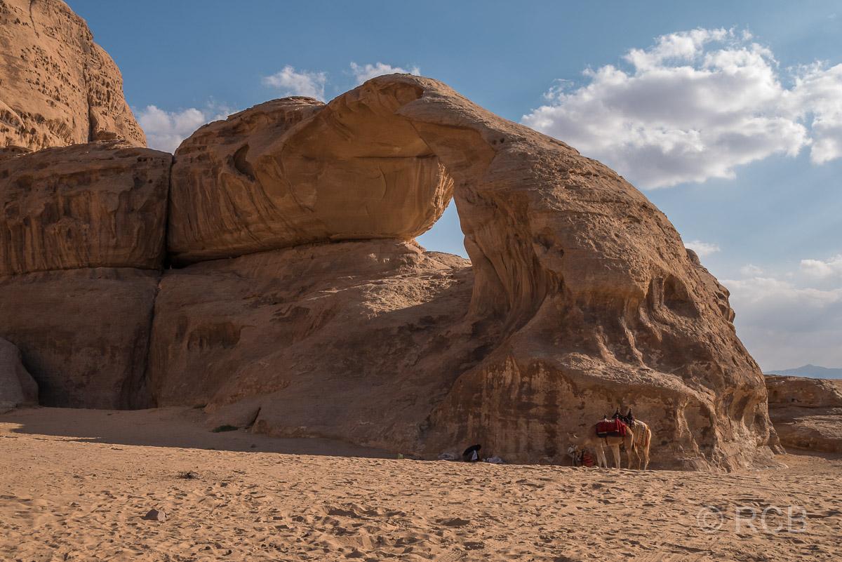 Felsbogen im Wadi Rum