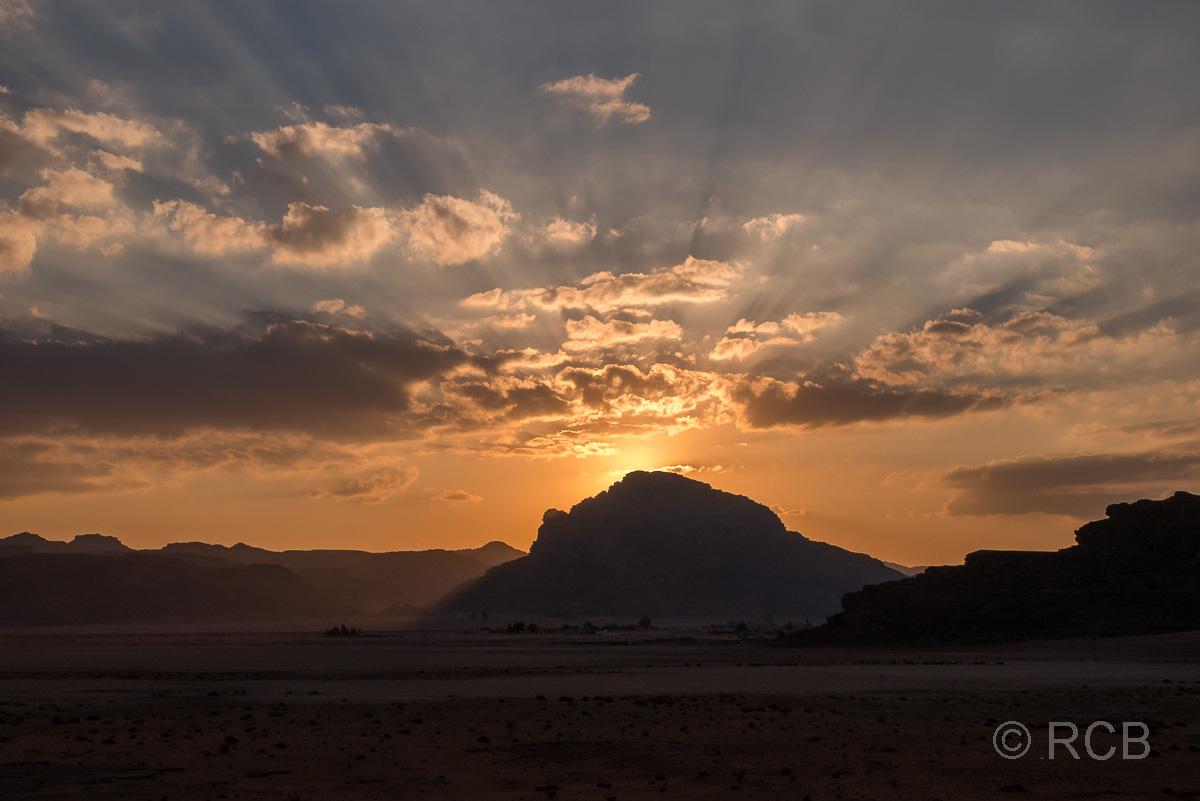 Sonnenuntergang im Wadi Rum