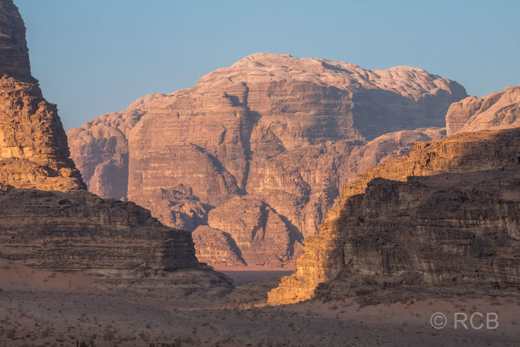 frühmorgens im Wadi Rum