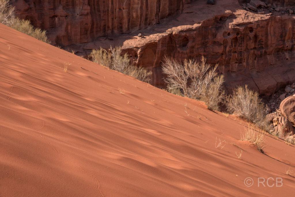 Sand auf der höchsten Sanddüne des Wadi Rum