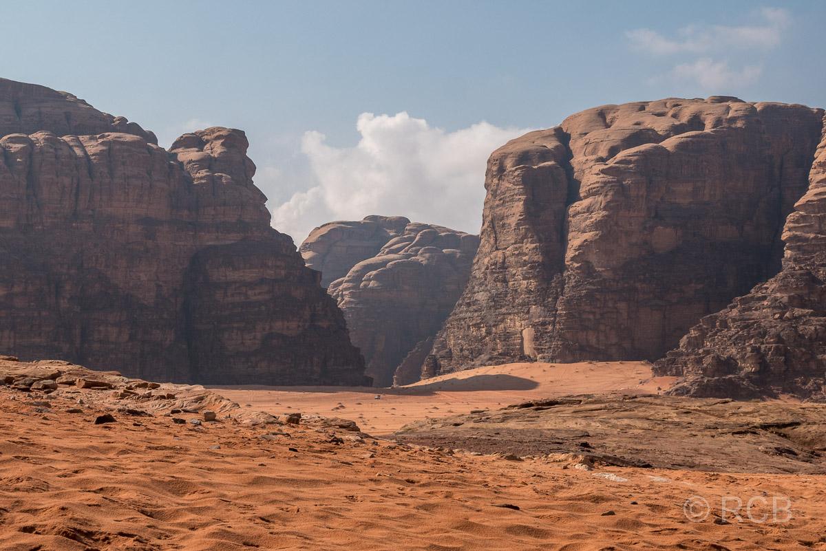 Rückblick in eine Schlucht im Wadi Rum