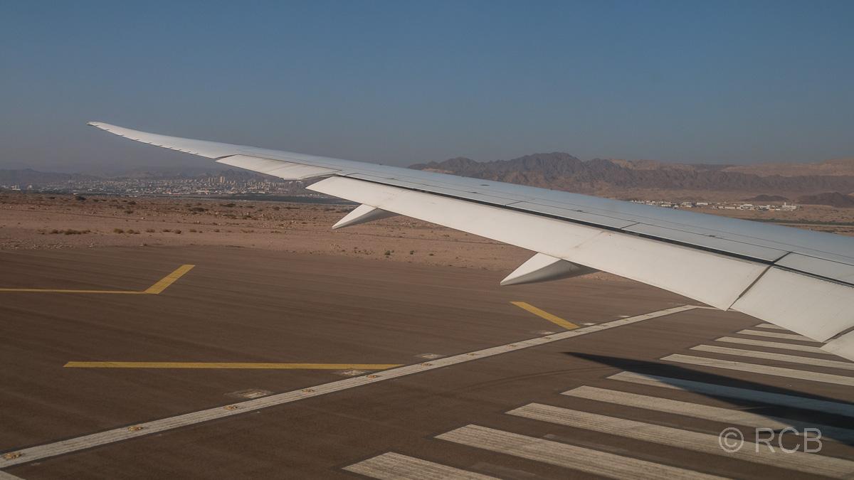 Abflug in Aqaba, im Hintergrund Eilat in Israel
