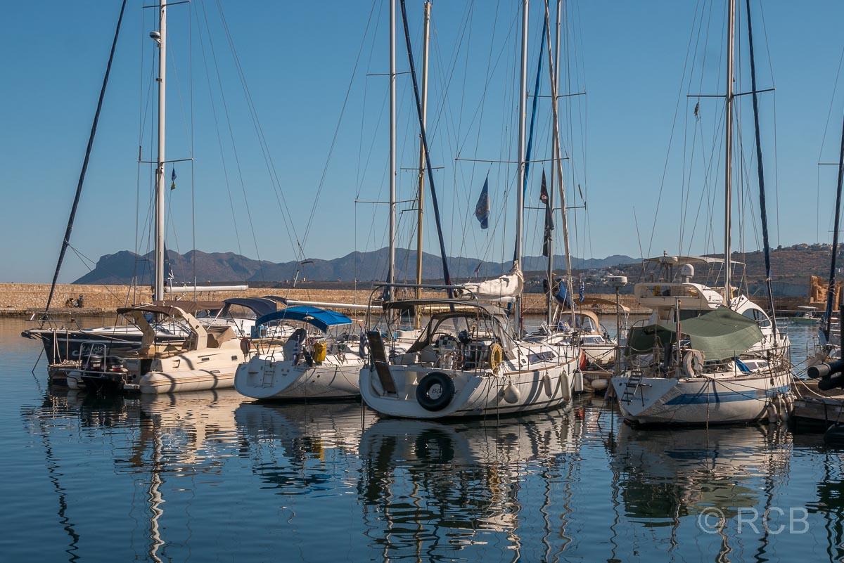 Chania, Yachten im Hafen