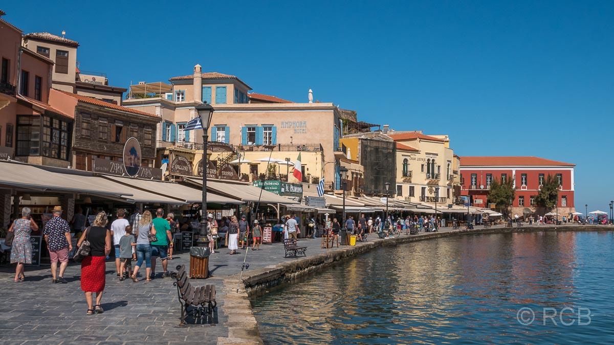 Chania, Promenade am Hafen