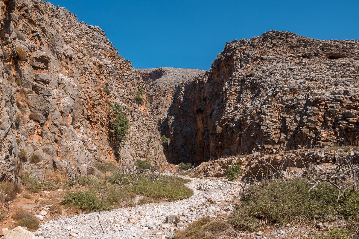 Blick in den meerseitigen Ausgang der Aradhena-Schlucht