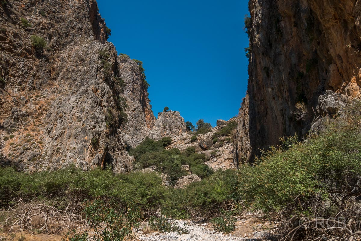 Blick auf eine Kletterpassage in der Aradhena-Schlucht