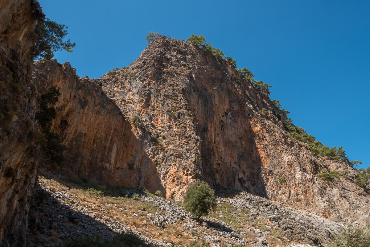 Felswand in der Aradhena-Schlucht